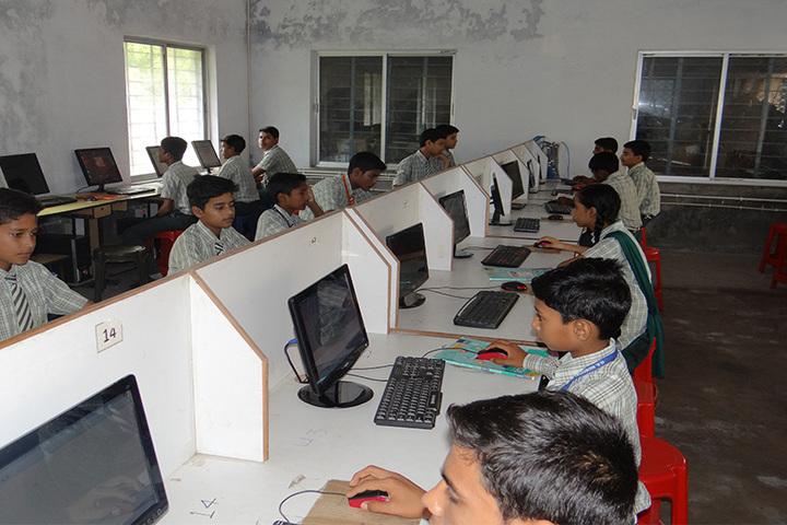 M S Memorial Public School-Computer Class