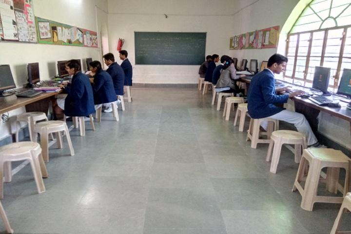 Silver Oak School-IT-Lab