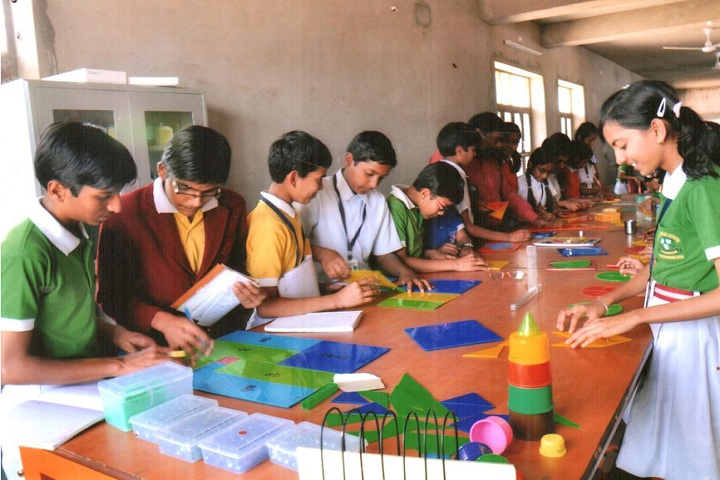 Smt Chunki Devi Mahadeo Lal Bhomrajka KVS Public School-Laboratory drawing