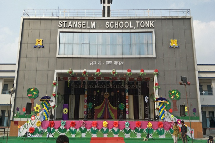 St Anselm School-School building