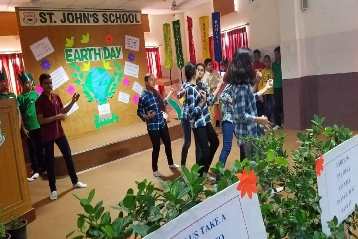 St JohnS School-Events earth day