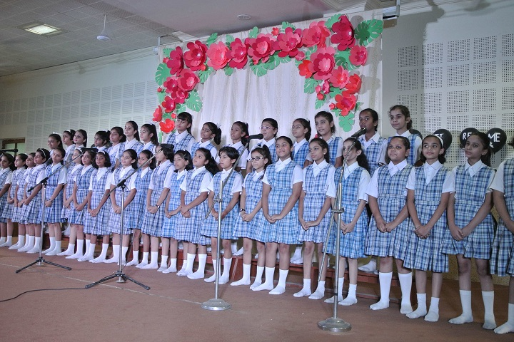 St MaryS Convent School-Events singing