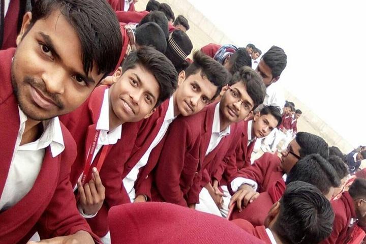 Mahadeo Shankar Lal Kataruka Saraswati Vidya Mandir- Students Group Pic