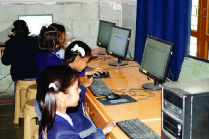 St Pauls School-IT-Lab