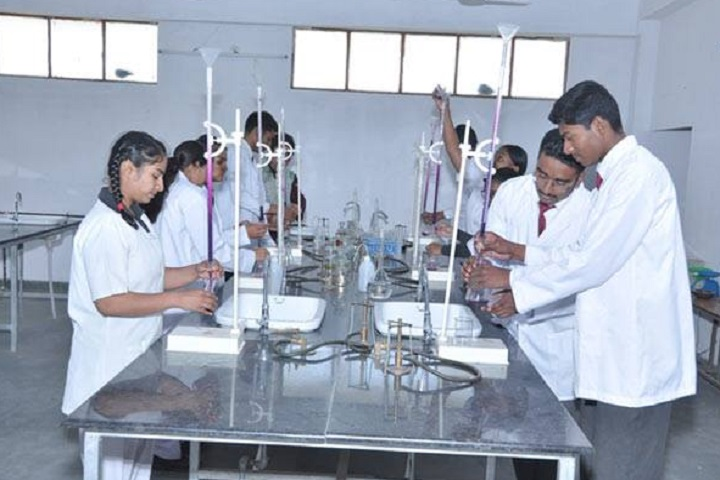 St Thomas School-Lab