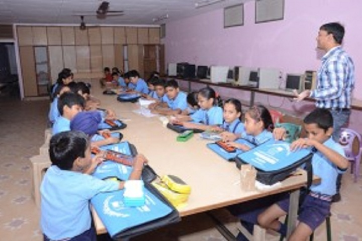 St Vivekanand Senior Secondary School-IT-Lab