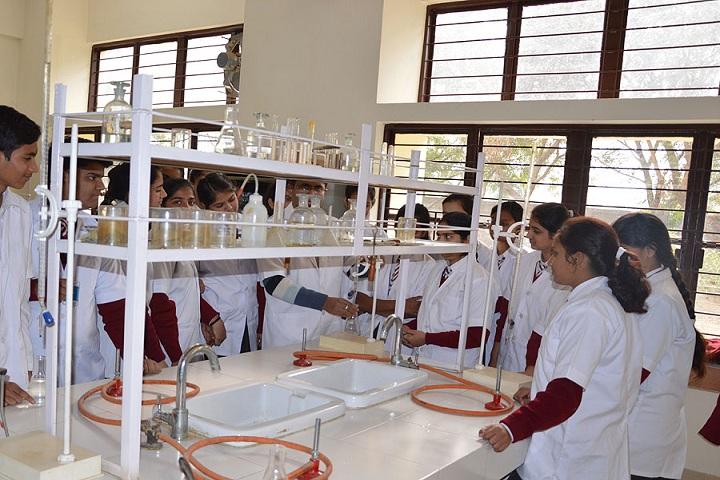 St XavierS School-Laboratory chemistry