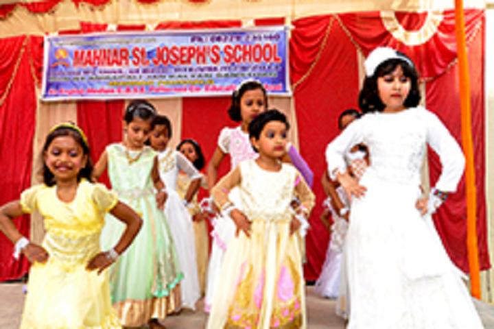 Mahnar St Josephs School-Dance