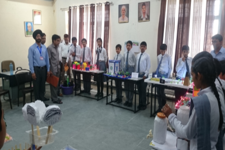 Swami Vivekanand Government Model School-Science Fair