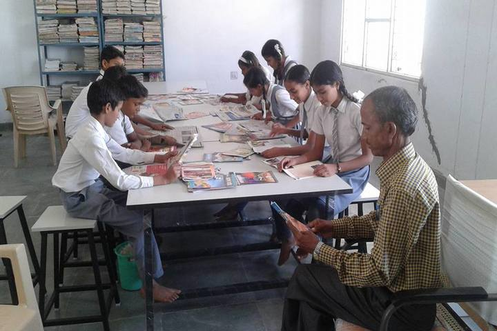 Swami Vivekanand Government Model School-Library