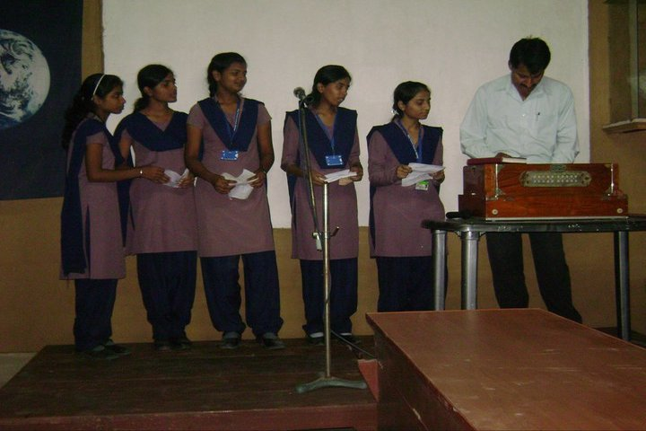 May Flower School- Music Competition