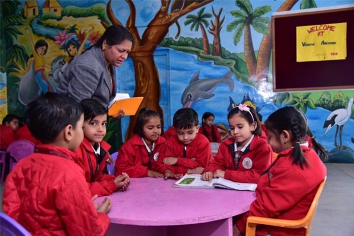 Tagore Public Senior Secondary School-Kids study hall