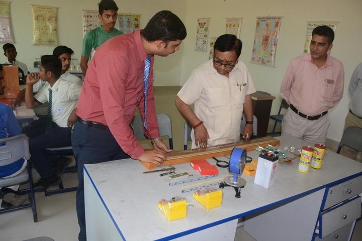 Mount Litera Zee School- Physics Lab