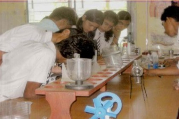 Nalanda Public School-Science Lab