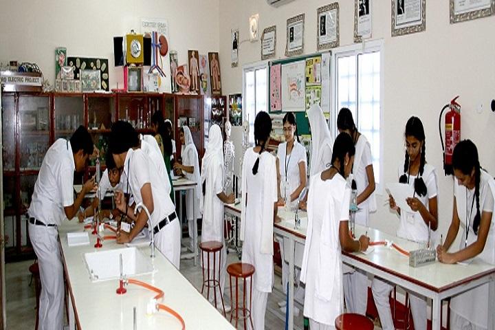 Adhiyaman Public School-Chemistry-Lab