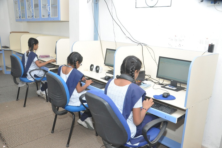 Ceedeeyes Dav Public School - IT Lab