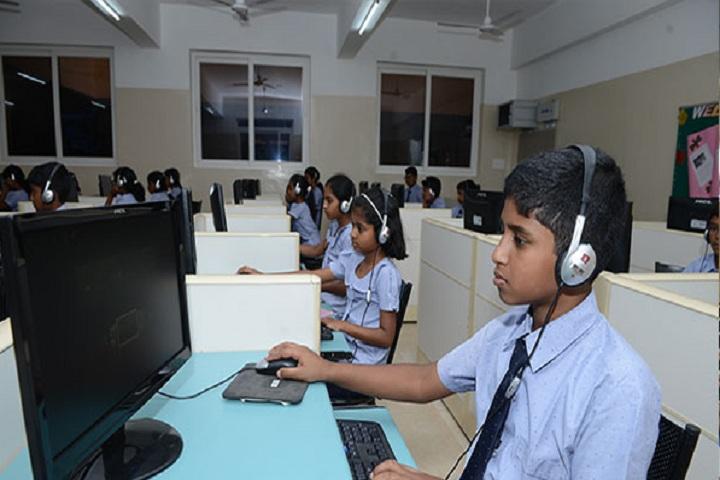 Chandrakanthi Public School - IT lab