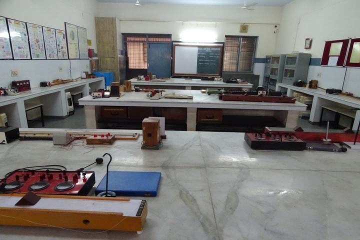 D A V Public School-Physics Lab