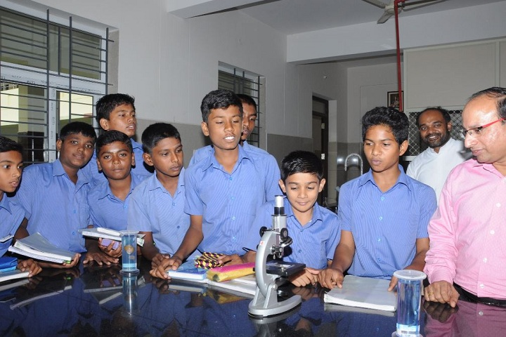 Don Bosco School of Excellence-Physics Lab