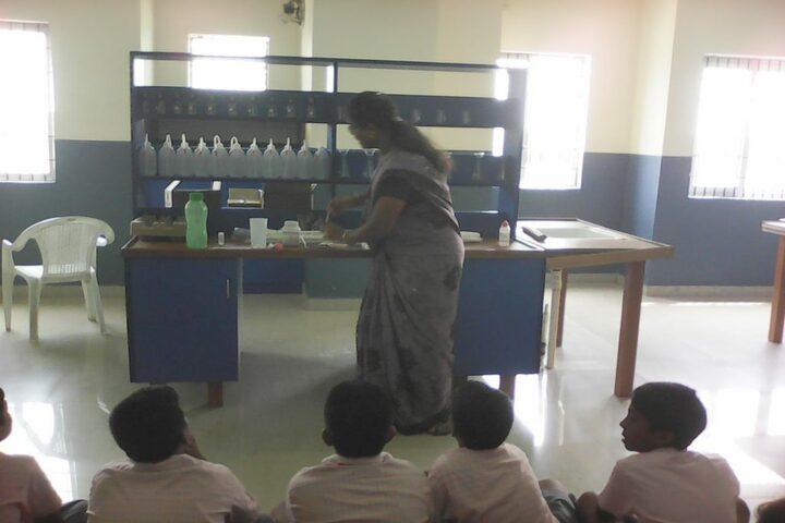 GRT Mahalakshmi Vidyalaya-Chemistry Lab