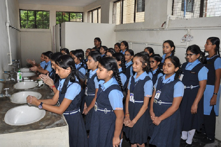 Guru Shree Shantivijai Jain Vidyalaya-Hygiene Day