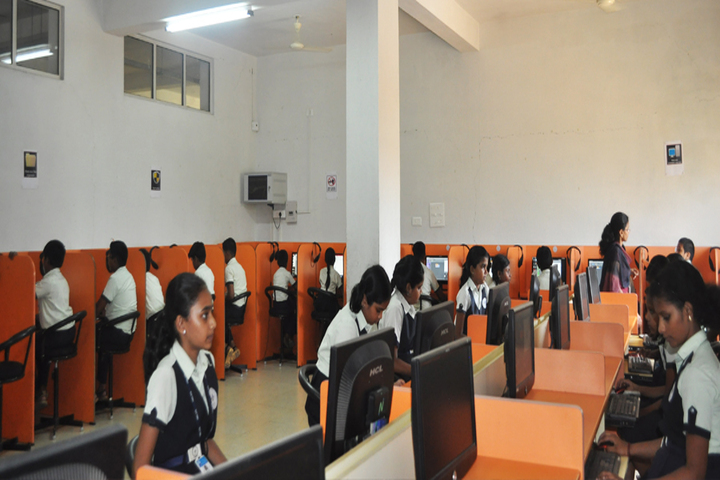 Ideal Mount Litera Zee School-Computer Lab