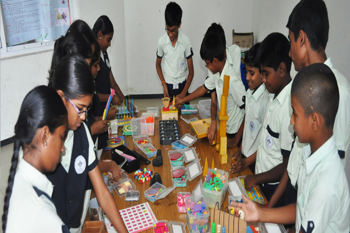 Ideal Mount Litera Zee School-Maths Lab