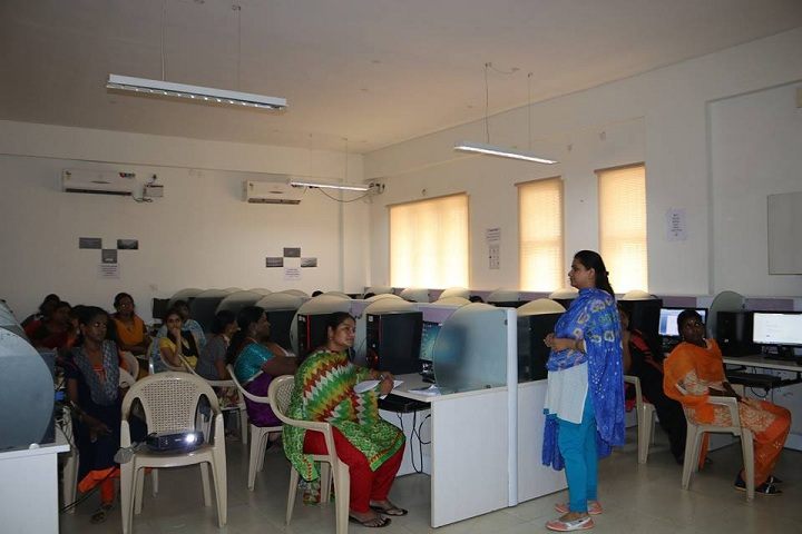 Jain Public School-School For Leaders-Computer-Laboratory