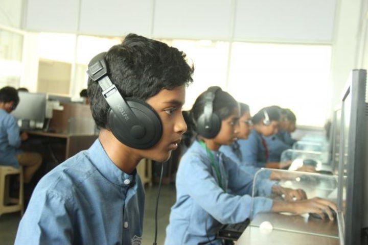 Kamala Niketan Montessori School-English Lab
