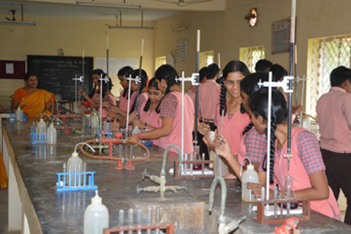 Kamala Subramaniam Secondary School-Chemistry lab