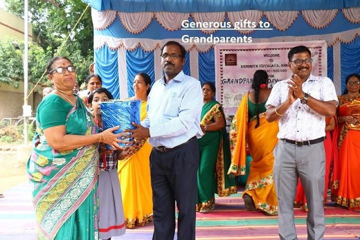 Kendriya Vidyalaya Annanagar-grand parents day