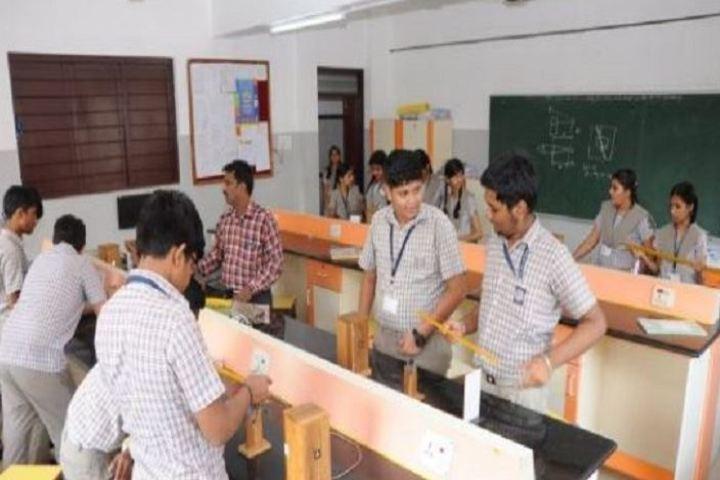Kola Sarswathi Vaishnav Senior Secondary School-Physics Lab