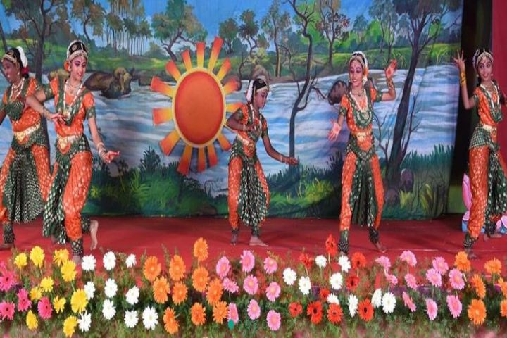 Maharishi School Of Excellence-Classical Dance