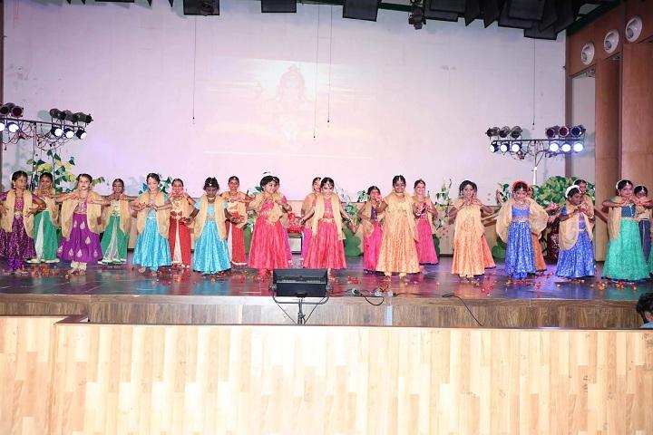 Mahindra World School-Dance
