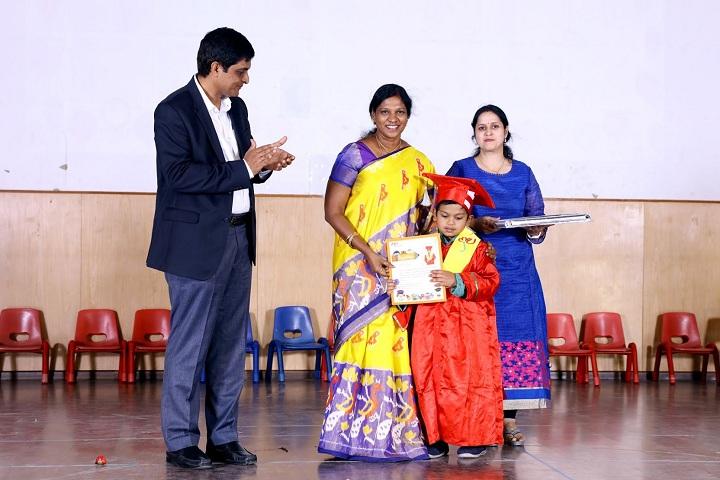 Mahindra World School-KG Convocation