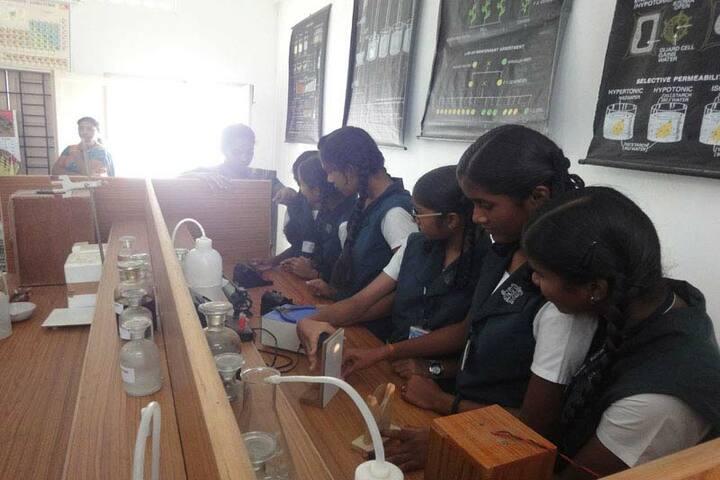 Montfort School-Science Lab