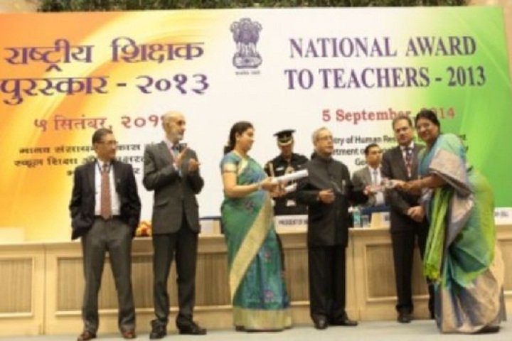 P S Senior Secondary School-Award Receiving