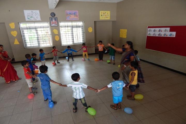 Pon Vidya Mandir Senior Secondary School-KG Classroom Activities
