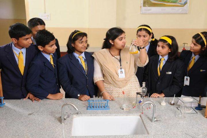 Podar International School-Physics Lab