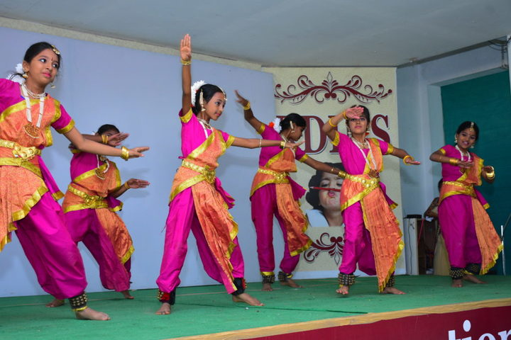RD International School-Dance