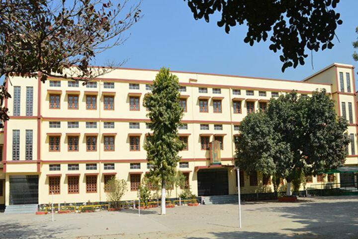 Prabhat Tara School-Campus