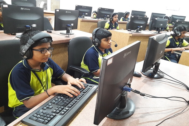 Saratha International School-Computer Lab