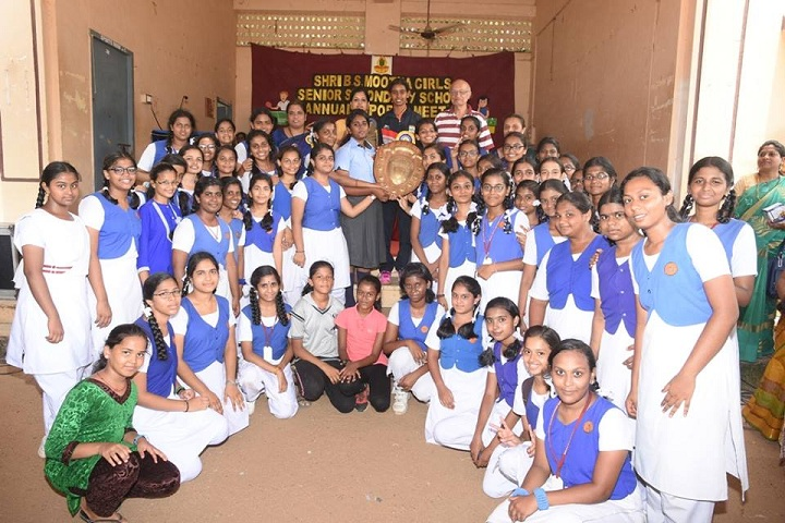Shri B.S.Mootha Girls Senior Secondary School- sports day pic