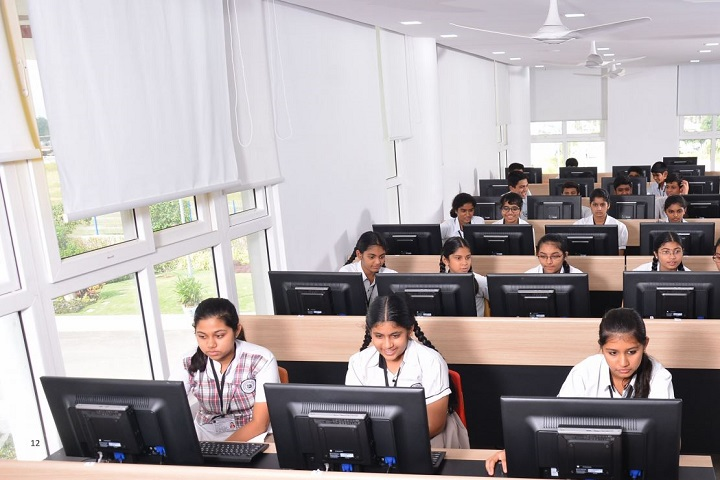 Springdays School-Computer Lab