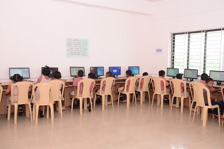 Sri Ramakrishna Public School-Computer lab