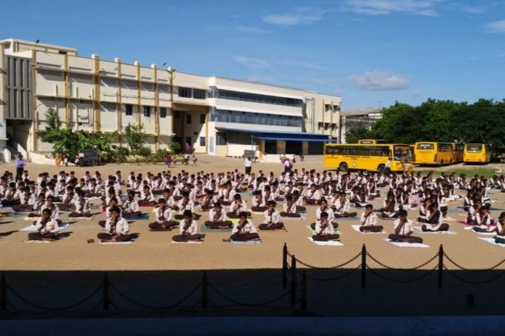 V V N K M English Medium School-Yoga Day