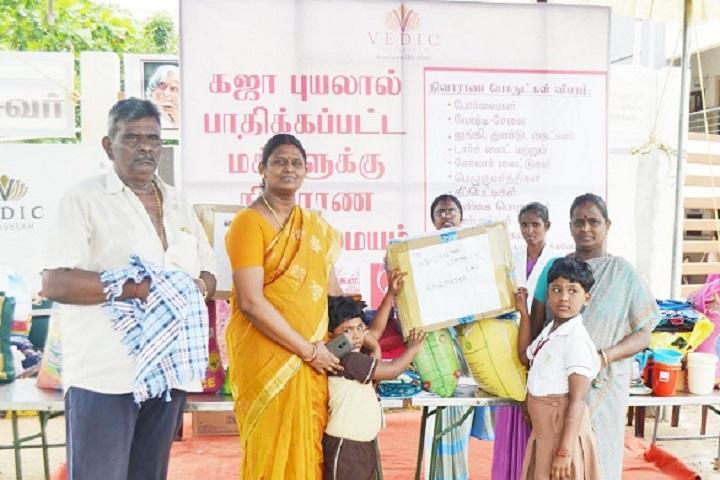 Vedic Vidyashram Schoool-Gaja Relief Activity