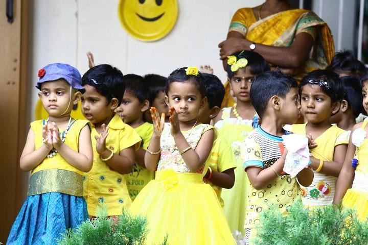 Velalar Vidyalayaa Senior Secondary School-Colours Day