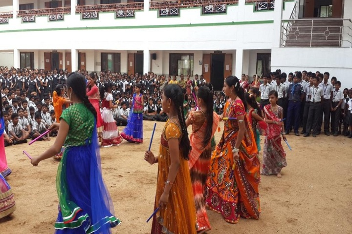 Velalar Vidyalayaa Senior Secondary School-Navaratri Celebration