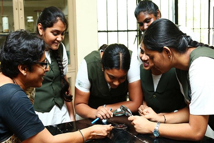 Vidya Mandir School-Biology Lab